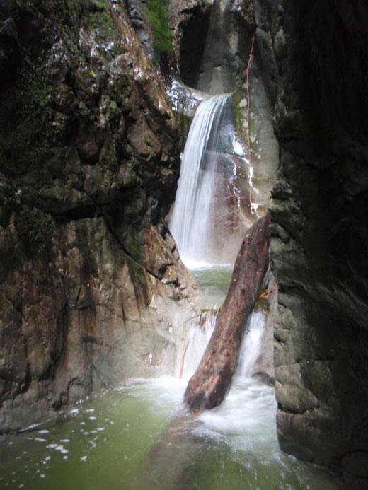 02-canyoning-gouffre-enfer